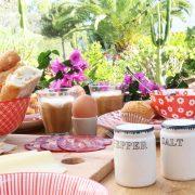 Ontbijten in de zon